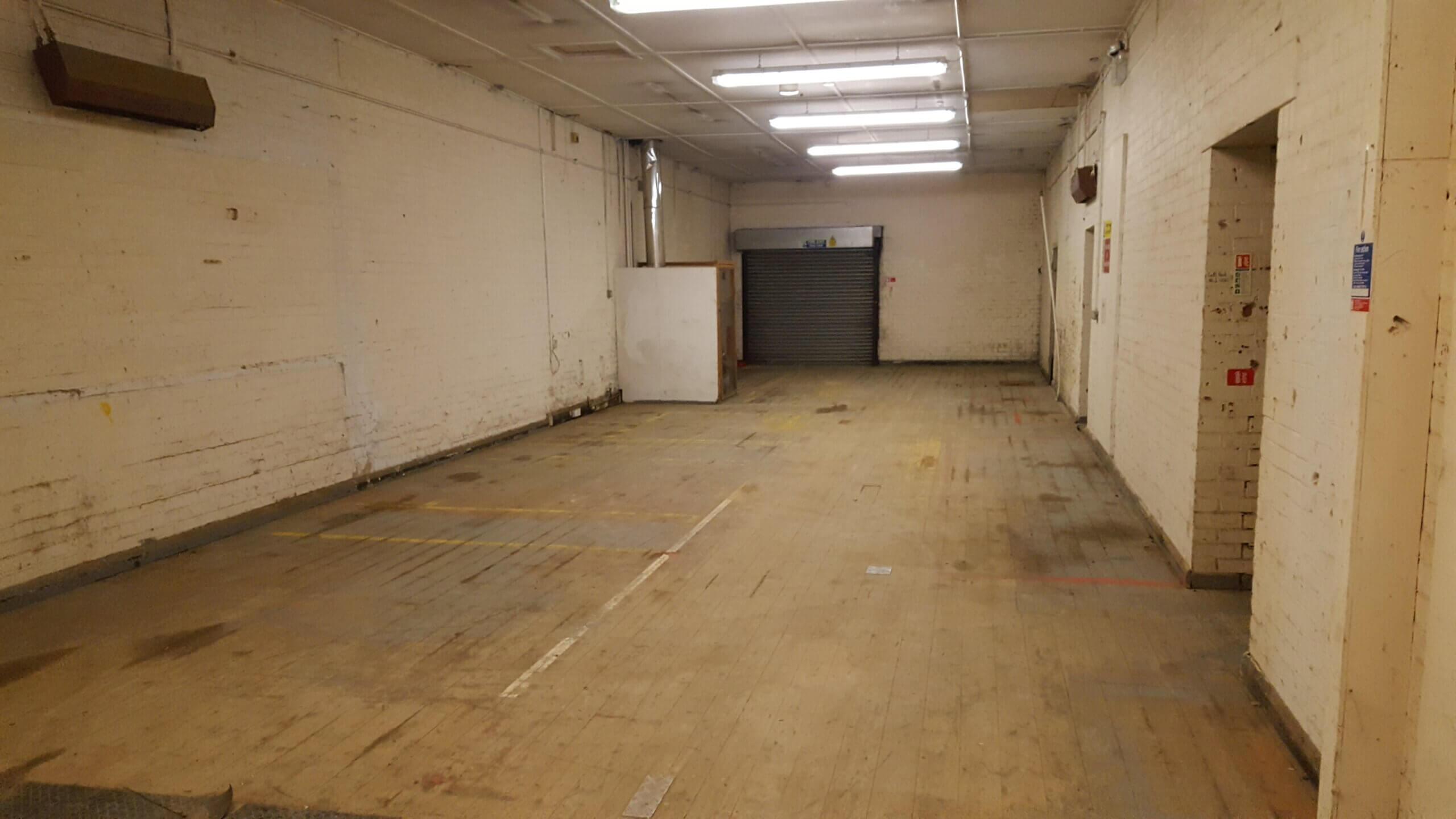 Large Ground Floor Premises with Yard